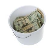 белизна доллара 20 чистки ведра счетов Стоковая Фотография