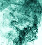 белизна дыма предпосылки зеленая заворот Стоковые Фотографии RF