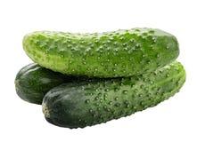 белизна еды огурца предпосылки свежая зеленая изолированная вегетарианская Путь клиппирования Стоковое Фото