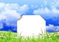 белизна знака травы цветков Стоковые Фотографии RF