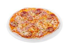 Белизна изолированная пиццей Стоковое Изображение RF