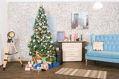 белизна изоляции декора рождества Большая яркая живущая комната рождество моя версия вектора вала портфолио стоковые изображения