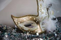 Белизна и маска золота venecian Стоковая Фотография