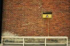 белизна кирпичной стены стенда Стоковые Изображения