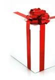 белизна коробки смычка красная Стоковая Фотография