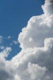 белизна космоса неба голубого экземпляра облаков пушистая Стоковая Фотография