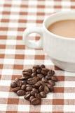 белизна кофейной чашки фасоли Стоковое Изображение RF
