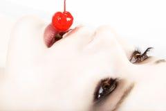 белизна красного цвета вишни помытая Стоковые Изображения