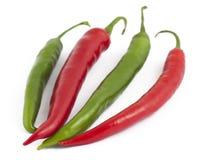 белизна красного цвета 2 зеленых перцев chili Стоковое Фото