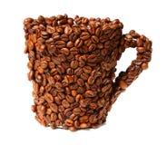 белизна кружки фасолей покрытая кофе изолированная Стоковые Изображения RF