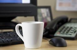 белизна кружки coffe Стоковые Фото
