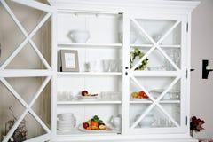 белизна кухонного шкафа Стоковое фото RF
