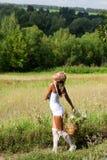 белизна лета девушки цветков платья Стоковое Фото