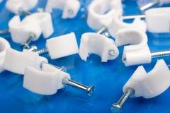 белизна ногтей хомутов для кабелей пластичная Стоковое Изображение RF