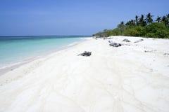 белизна песка philippines необитаемого острова пляжа Стоковые Изображения RF