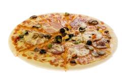 белизна пиццы вырезывания стоковые изображения