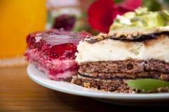 белизна плиты десертов сладостная Стоковое фото RF