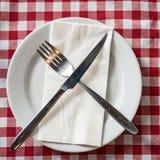 белизна плиты ножа вилки Стоковая Фотография