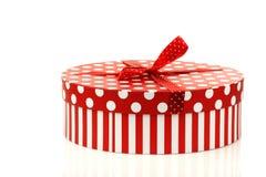 белизна подарка коробки красная круглая стоковое изображение