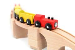 белизна поезда игрушки предпосылки Стоковое Изображение
