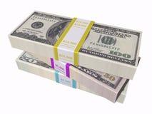 белизна предпосылки штабелированная наличными деньгами Стоковое фото RF