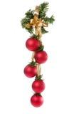 белизна рождества шариков предпосылки вися Стоковые Фото