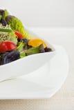 белизна салата еды шара Стоковые Фото
