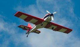 белизна самолет-моноплана приватная красная Стоковые Изображения RF