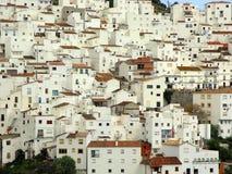 белизна села casares Испании стоковые фото