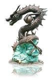 белизна статуи предпосылки изолированная драконом Стоковые Изображения RF