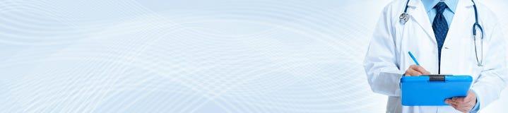 белизна стетоскопа предпосылки изолированная доктором медицинская излишек Стоковое Фото