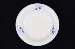 белизна тарелки фарфора стоковое изображение rf