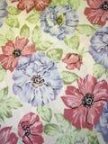 белизна ткани флористическая Стоковое фото RF