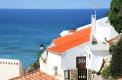 белизна утеса Португалии дома португальская стоковое фото rf