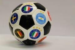 белизна футбола предпосылки изолированная шариком Красивый шарик поклонников футбола Стоковые Изображения