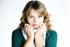 белизна шарфа девушки blong Стоковое фото RF