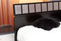 белизна шерсти крышки угла одеяла кровати Стоковые Изображения