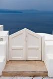 белизна santorini двери Стоковая Фотография