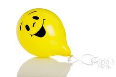 белизна smiley стороны воздушного шара предпосылки Стоковое Изображение