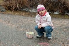 белит девушку мелом Стоковое Фото