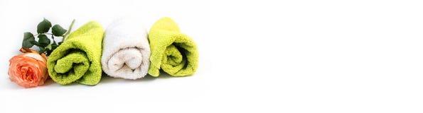 Белое и зеленое полотенце ролика с розовыми розами знамена Стоковое Изображение RF