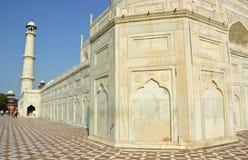 Белое мраморное Taj Mahal, Индия Стоковая Фотография