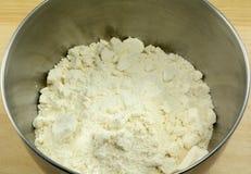 Белое смешивание печенья или торта сухое стоковая фотография