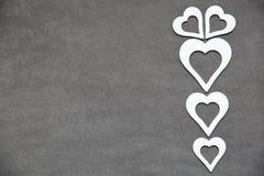 Белое чистое сердце на серой предпосылке для всех любовников Стоковая Фотография RF