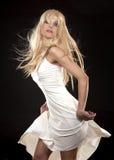 белокурая белизна платья Стоковые Фотографии RF