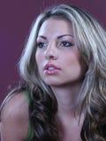 белокурая блестящая женщина Стоковое фото RF