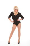 белокурая девушка кренит усмехаться куртки сексуальный Стоковые Фотографии RF