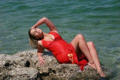белокурая девушка платья сексуальная намочила Стоковые Фотографии RF