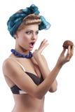 белокурая девушка стороны делая детенышей Стоковое Изображение RF