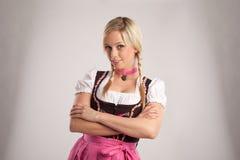 белокурая женщина dirndl costume стоковые изображения rf